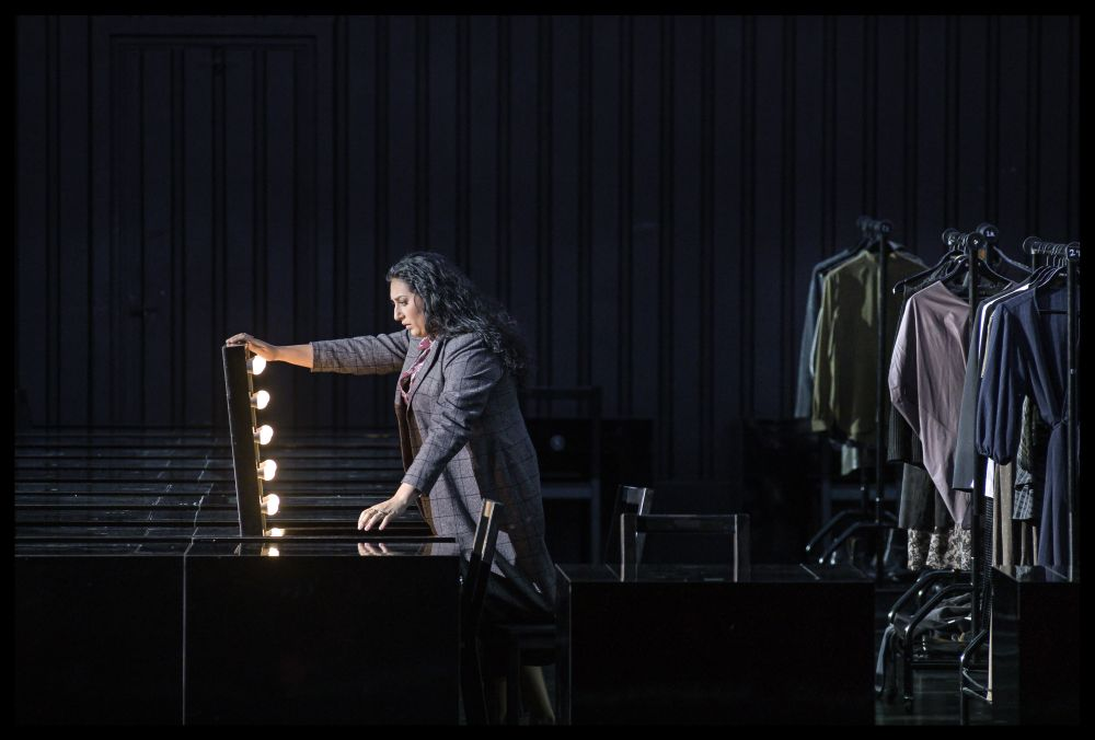 Anita Rachvelishvili als Santuzza in Cavalleria rusticana (© De Nationale Opera / foto BAUS)