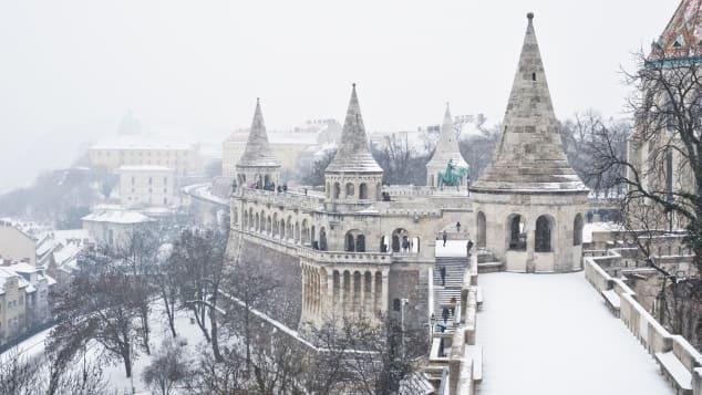 De burcht van Boeda in de sneeuw