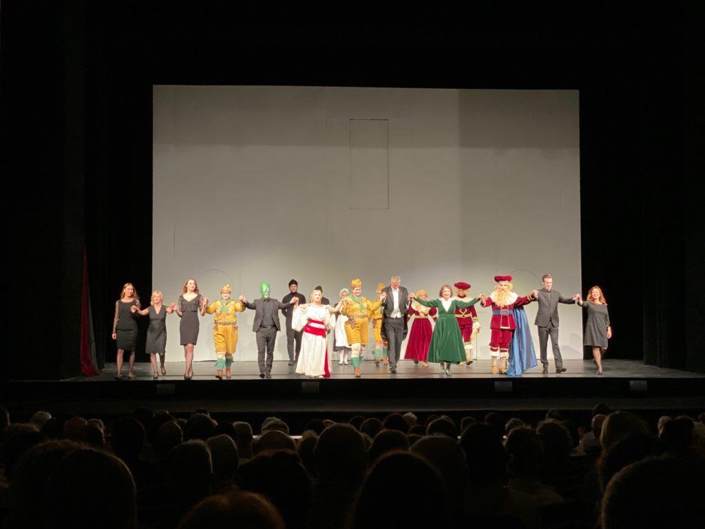 De cast van L'Enfant et les Sortilèges bij het slotapplaus