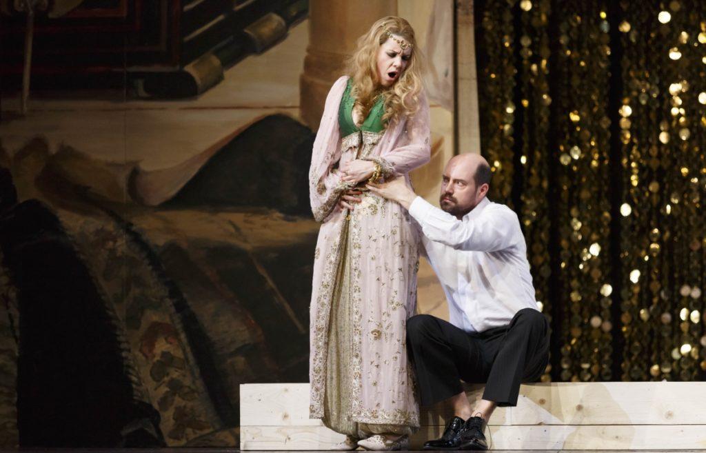 Lenneke Ruiten als Konstanze in Die Entfürhing aus dem Serail (De Nationale Opera). De veeleisende aria 'Martern aller Arten' is onderdeel van haar Silvesterkonzert