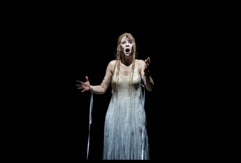Lenneke Ruiten als Ophélie in Hamlet van Ambroise Thomas aan de Brusselse Koninklijke Muntschouwburg, haar grote doorbraak als operazangeres