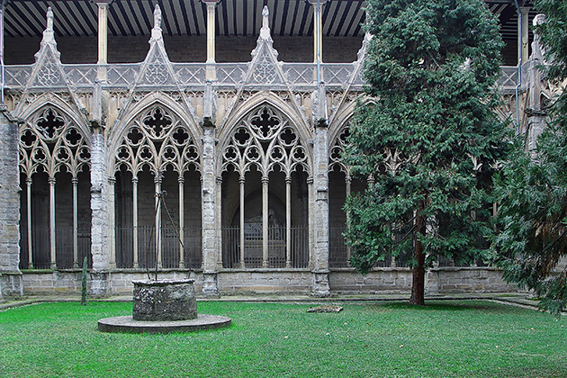 Kloostergang bij kathedraal Pamplona