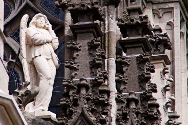 Bellende engel op de Sint Jan, 's Hertogenbosch