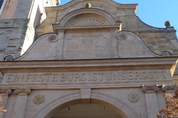 Portaal van de Georgenkirche in Eisenach