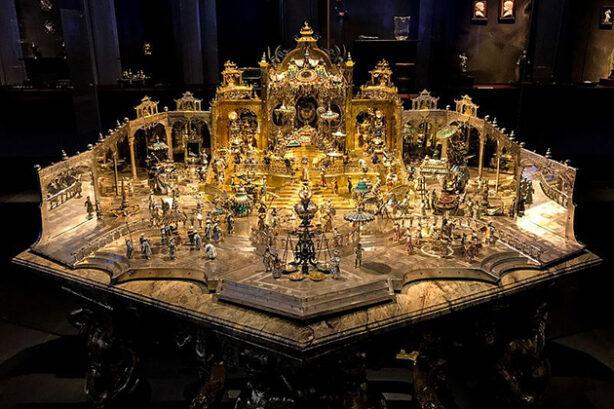 Hofstaat zu Delhi am Geburtstag des Großmoguls in het Neue Grüne Gewölbe, Dresden