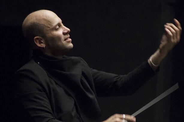 Stefano Montanari (foto Michele Borzoni)